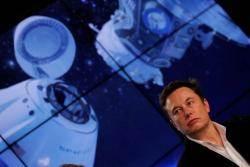 머스크 우주탐사 엎어지나···유인캡슐 테스트서 '완파'