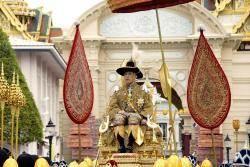 [서소문사진관] 태국 국왕 69년만의 대관식, 사흘간 365억원 써