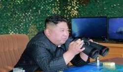 "NYT ""김정은, 할아버지·아버지 낡은 각본 부활"""