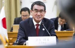 """日외무상 """"韓정부 대응으로 일본 기업 손해 발생시 대항조치"""""""