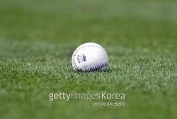 [송재우의 포커스 MLB] 메이저리그 공인구는 반발력이 높을까