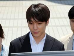 '집단 <!HS>성폭행<!HE> 의혹' 최종훈 구속…걸그룹 친오빠 권모씨 구속