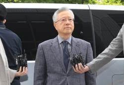 """'채용 비리' 혐의 이석채 전 KT 회장 구속 기소…""""11명 부정채용에 가담"""""""