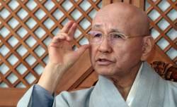 """[부처님오신날 특집]월주 스님 """"적폐청산 넘어서는 큰 정치 하라"""""""