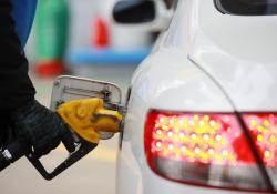 세금·환율·국제유가 상승까지...'기름값 삼중高'에 1700원 시대 온다