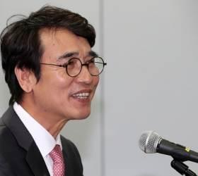 """""""유시민 조직 지켰고 <!HS>심재철<!HE> 배신""""…유시민 편든 서울대 선배"""