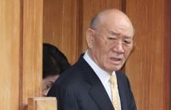 """전두환, 법정 출석않고 재판받는다…법원 """"방어권 지장없어"""""""