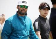 '장타자' 박찬호, 김영웅과 호흡…올해도 골프대회 정상 오르나