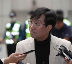 [<!HS>포토사오정<!HE>]'文의 남자' 양정철<!HS>,<!HE> 정치권 복귀 첫 마디는?