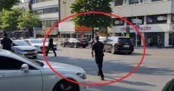 도로 통제하고 '불법유턴'에 '2차선 정차'한 연예인들