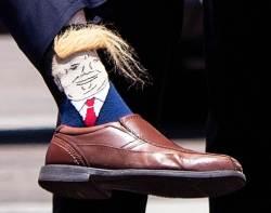 [서소문사진관]'<!HS>트럼프<!HE> 양말'은 미국 인싸템? 주지사도 신고 나타나