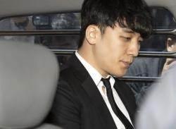 '영장 기각' 승리 성매매 알선만 12번…유인석 외조모 계좌도 이용