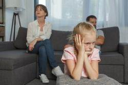 전처가 아이를 때린대요…양육자 바꿀 수 있을까요?