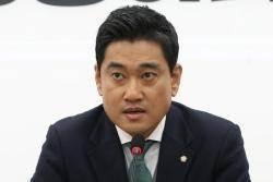 """오신환 """"손학규 만나러 간다…자리에 연연하는 분 아냐"""""""
