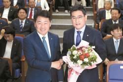 사보임 당한 오신환 원내대표 선출…패스트트랙 더 꼬였다