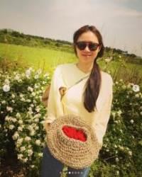 공효진, 직접 수확한 산딸기 들고 미소···소담+여유 가득 일상