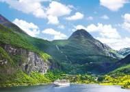 [leisure&] 상인의 항구, 중세풍 도시, 폭포·빙하, 피오르 협곡…북유럽 대자연의 풍광과 문화 담은 럭셔리 크루즈 여행