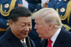 <!HS>트럼프<!HE> 관세폭탄 터트리자, 시진핑은 美국채 팔아치웠다