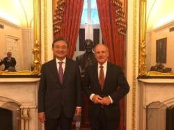 [사진] 홍석현 이사장, 리시 미 상원 외교위원장과 북 비핵화 논의