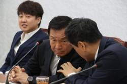 """""""당 혼자 운영하나""""…또 '손학규 성토장' 된 바른미래 최고위"""