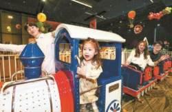[사진] 놀이공원 변신한 백화점