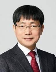 """내정설 정색하더니 靑직행···현직 판사들 """"김영식 어이상실"""""""