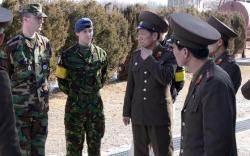 """판문점 미군 """"내 여자친구는 한국인""""…북한군 """"와"""""""