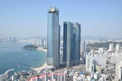 6억 오를 때 84층 펜트하우스는 '무피'...고개 숙인 '하늘 위 궁전'