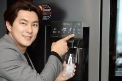 [비즈톡] LG전자, 새로워진 '디오스 얼음정수기냉장고' 출시 外