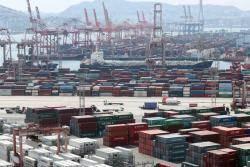 금융연구원도 경제전망 2.4% 하향…안전자산 선호 '강달러'