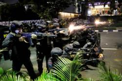 [사진] 인도네시아 대선 불복 시위대에 총격