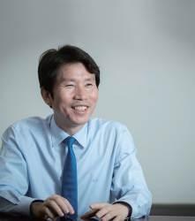 [월간중앙] 이인영 민주당 신임 원내대표의 직설(直說)