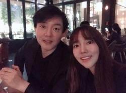 """'이범수♥' 이윤진, """"평생 내편임이 감사해"""" 결혼 9주년 소감"""