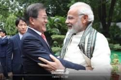 """문대통령, 모디 인도 총리 재집권 축하…""""저와 형제 같은 사이"""""""