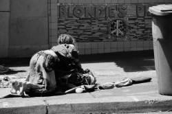 구걸하는 아이에 돈·음식 주면 처벌하는 나라