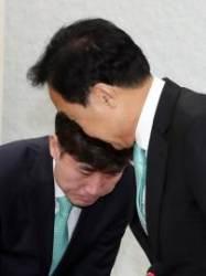 """손학규, 반대파 요구 재차 거부 """"정치 싸움 제발 그만 하자"""""""