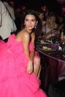 칸 영화제 찾은 억만장자 모델의 39만원짜리 드레스