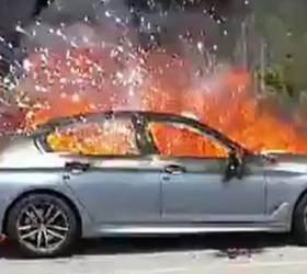 """해남서 주행 중이던 <!HS>BMW<!HE> <!HS>화재<!HE>…""""조수석 밑에서 연기"""""""