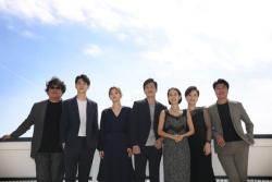 밤 촬영 많았던 '기생충'…'아역배우' 위해 봉준호와 배우들이 한 일