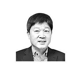 [서소문 포럼] <!HS>최태원<!HE>의 '사회적 가치' 실험