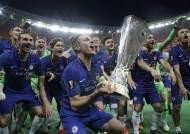 아자르의 원맨쇼, 유로파리그 우승으로 웃은 첼시