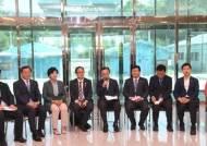 """[포토사오정]판문점JSA에서 정당회의, """"우리 장병 괴롭히지 마라···"""""""