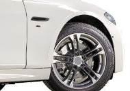 [자동차] 수퍼카, 스포츠 드라이빙을 위하여! 기술력이 빚어낸 초고성능 타이어
