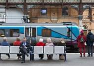 해리 포터 골목·그을린 성당…기차 타고 만난 유럽의 속살