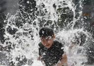 인간은 물 생산자, 하루 물 2L 안 마셔도 되는 이유