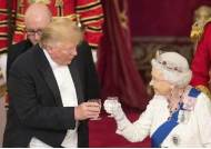 """트럼프, 英왕실과 화려한 국빈만찬…""""영국 왕실은 환상적"""""""