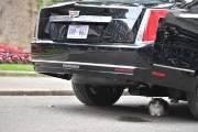 트럼프 전용차 '비스트', 英 총리 고양이 앞서 얼어붙어…