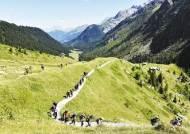 [Enjoy Your Life] 알프스 초원지대부터 만년설의 산악지대까지…'뚜르 드 몽블랑'을 걷다