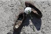 [속보] 선체에 끼인 채 발견된 희생자, 20대 한국인 남성 확인