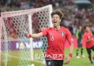 """[한국-호주]황의조 """"부담감? 축구를 즐기려고 한다"""""""